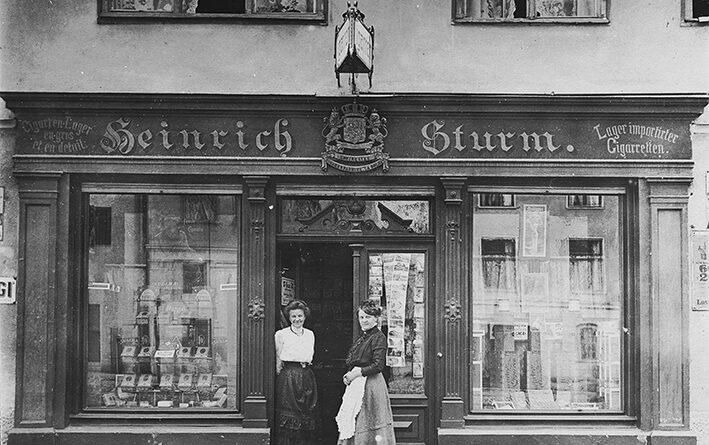 Historische Aufnahme Zigarrenhaus Stur