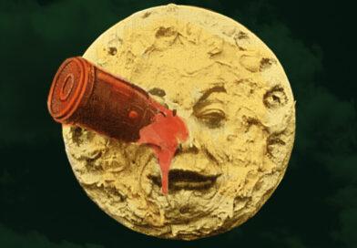 gelber Mond mit Gesicht